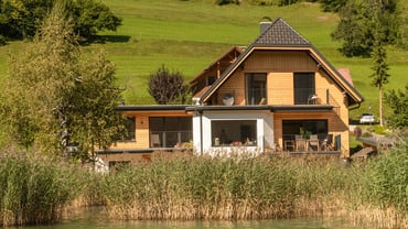 The Mariannenheim lake house